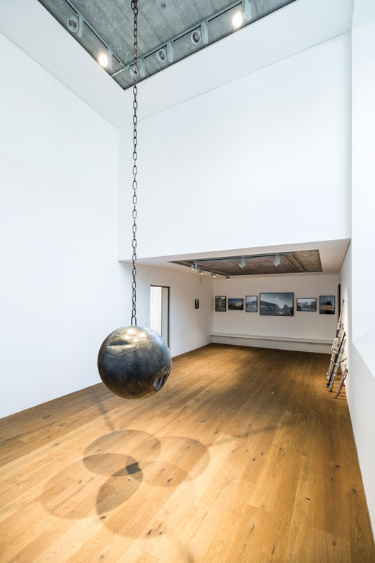 Jeewi Lee, Einschlag, Sexuaer Gallery