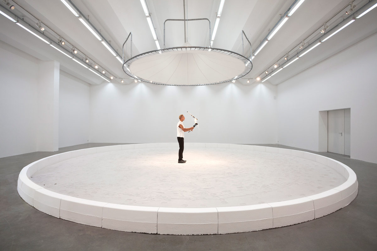 Jeewi Lee, Blinder Beifall, 2016, Sand, Sexuaer Gallery